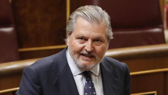 El ministro de Educación, Íñigo Méndez de Vigo, en el pleno del Congreso de los Diputados.