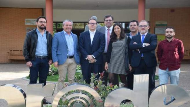 Visita de representantes de CajaSur a Prode