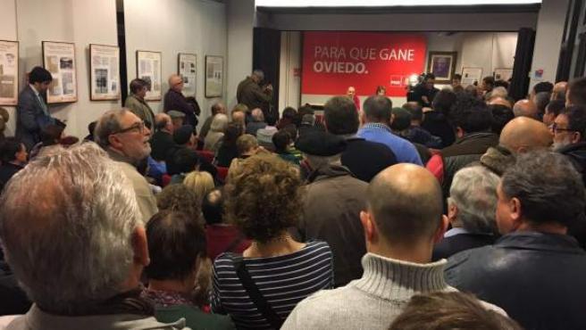 Concentración en la sede del PSOE en Oviedo.
