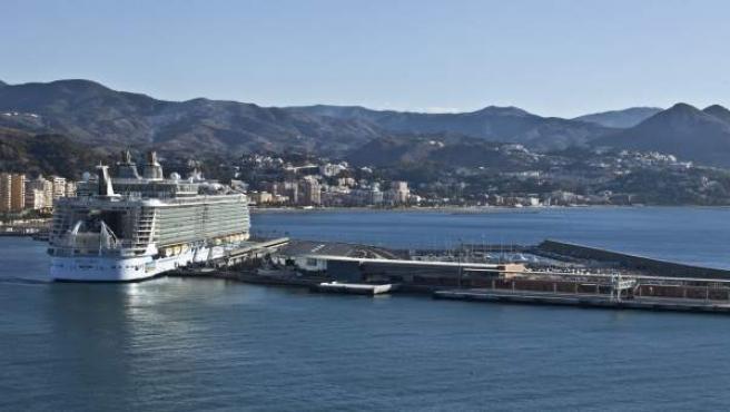 Oasis of the Seas en Málaga mayor crucero del mundo