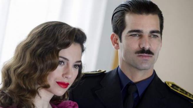 Blanca Suárez y Rubén Cortada se meten en la piel de los amantes De Icaza y Serrano Súñer en Lo que escondían sus ojos, que se estrenará en Telecinco.
