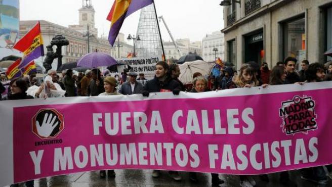 Manifestación de la Memoria Histórica en Sol en el 41 aniversario de la muerte de Franco.
