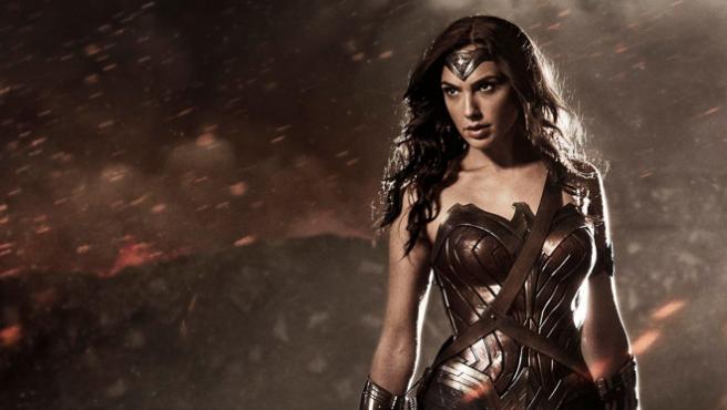 Gal Gadot explica cómo se sintió con el traje de Wonder Woman
