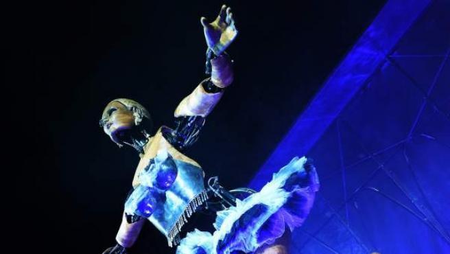 Imagen de la bailarina situada en la plaza Cataluña de Barcelona.