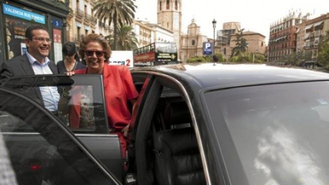El Ayuntamiento de Valencia subasta los dos Audi A8 de Rita Barberá. Uno tiene blindaje y otro no.