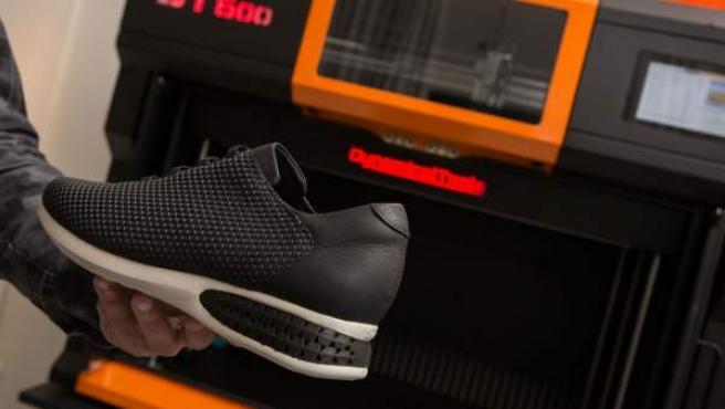 Zapato con un amortiguador hecho mediante impresión 3D.