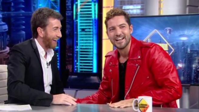 David Bisbal bromea con Pablo Motos en el Hormiguero.