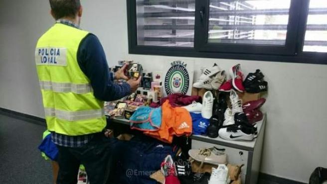 Objetos incautados por la Policía Local de Sevilla