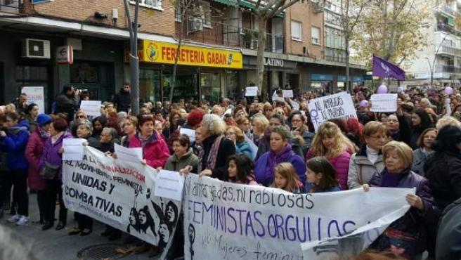 Cabecera de la manifestación feminista en Alcorcón contra el alcalde del PP por sus palabras sobre el feminismo.