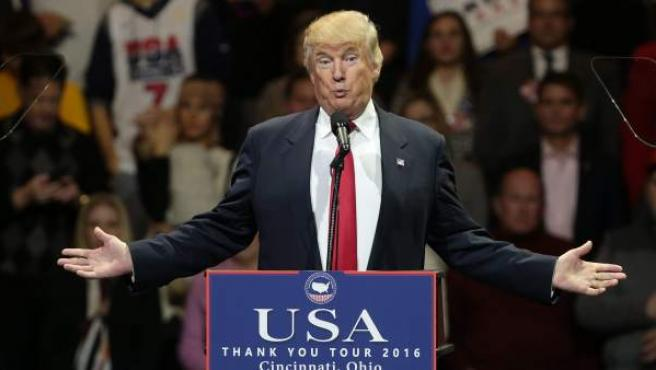 El presidente electo estadounidense, Donald Trump, durante su 'gira de agradecimiento' en Cincinati, Ohio.