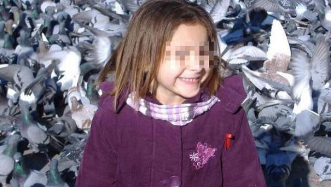 Imagen de Nadia, la niña con envejecimiento prematuro, que en el último año y medio ha conseguido más de 142.000 euros con donativos.