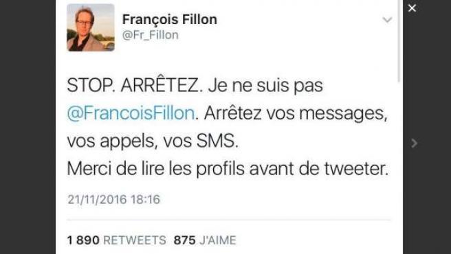 Tuit del periodista francés François Fillon, harto de que lo confundan con el nuevo candidato de la derecha la Presidencia de Francia.