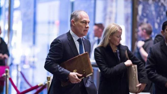 Scott Pruitt dirigirá la agencia medioambiental de EE UU.