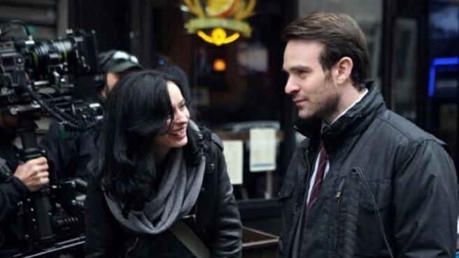 Daredevil y Jessica Jones comparten imágenes por primera vez
