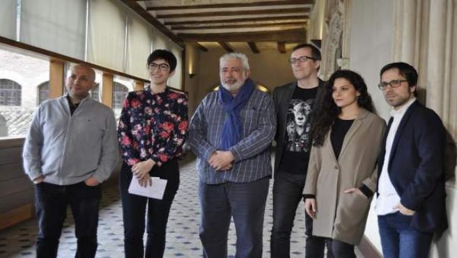 Violeta Barba expresa el compromiso de las Cortes con el cine aragonés.
