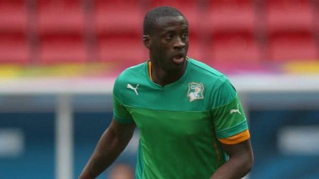 Yaya Toure, jugador de Costa de Marfil, participa en un entrenamiento con su selección.
