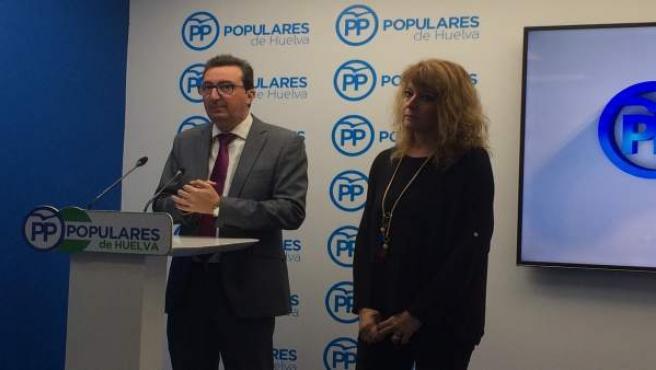 Pilar Miranda junto a Manuel Andrés González
