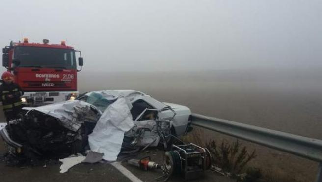 Dos fallecidos en una colisión frontal en la A-222, en Belchite