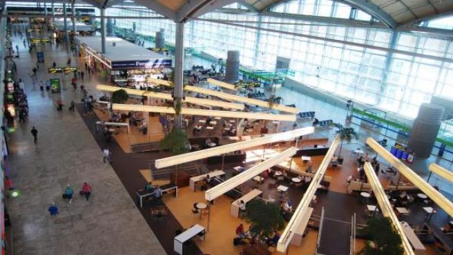 Interior de las instalaciones del aeropuerto de l'Altet