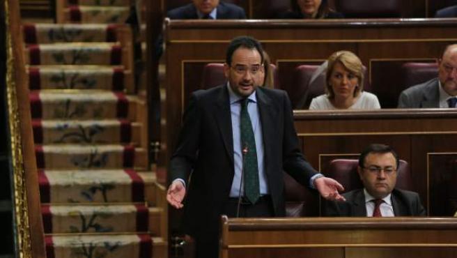 Antonio Hernando en la sesión de control al Gobierno en el Congreso de los Diputados.