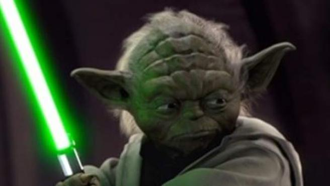 El maestro Yoda despliega su sable láser en el 'Star Wars. Episodio II: El ataque de los clones'.