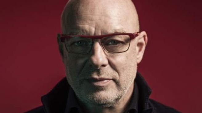 El compositor de música electrónica y experimental británico Brian Eno.