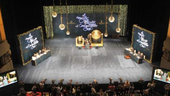 El sorteo de la Lotería de Navidad en directo desde el Teatro Real de Madrid.