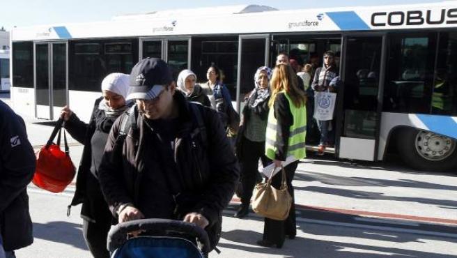 Llegada de refugiados al aeropuerto de Barajas.