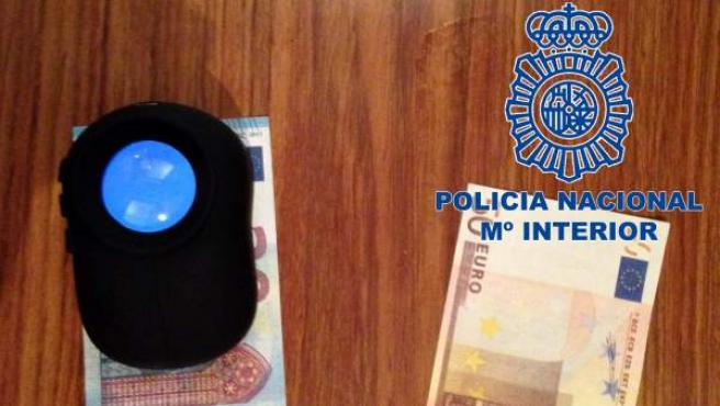 Billetes falsos hallados por la Policía Nacional.