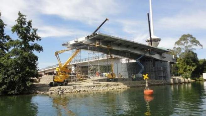 El puente, que conllevó una inversión de 30 millones de dólares, se construyó al revés.