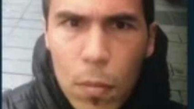 Imagen del sospechoso de perpetrar el ataque en una discoteca de Estambul.