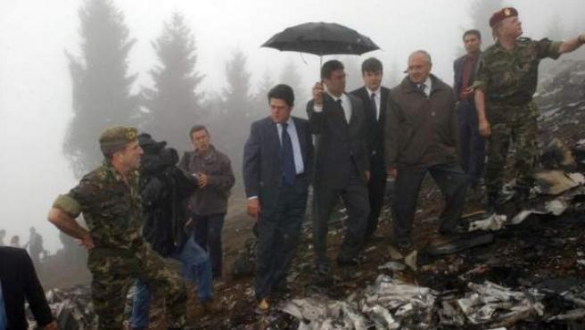 Trillo inspecciona el lugar del accidente del Yak-42