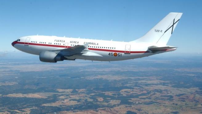 Es un avión de pasajeros bimotor de medio a largo alcance y fuselaje ancho. El Ministerio de Defensa los utiliza para el transporte de autoridades y la proyección estratégica.