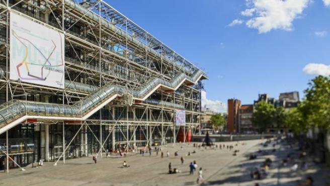 La sede del Centro Pompidou, diseñada por el italiano Renzo Piano e inagurada en 1997, es el primer museo con estilo 'high tech'