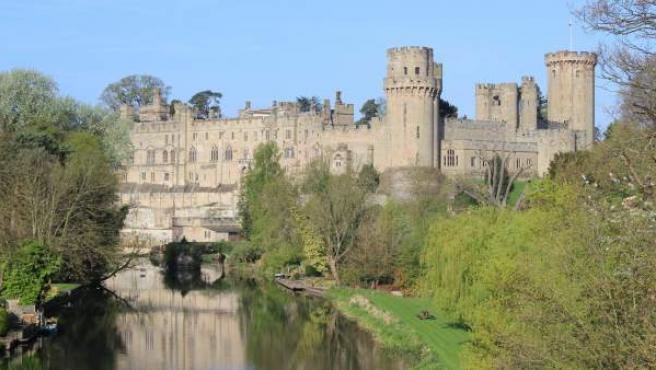 El Castillo de Warwick está situado a orillas del Río Avon.