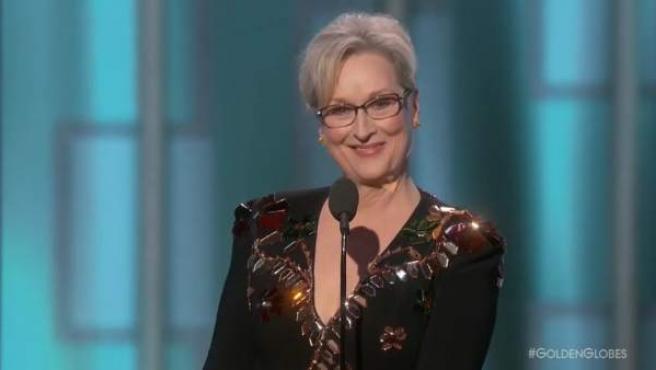 Meryl Streep se lleva el premio honorífico en los Globos de Oro y da el discurso de la noche.