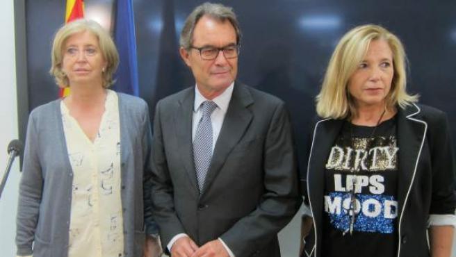 Imagen de la exconsellera Irene Rigau, el expresidente Artur Mas y la exvicepresidenta Joana Ortega.