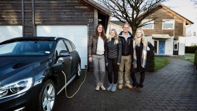 La familia que ha aceptado formar parte de un programa de investigación en condiciones de uso real del vehículo autónomo.