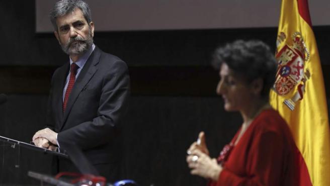 El presidente del Tribunal Supremo y del Consejo General del Poder Judicial, Carlos Lesmes, y la vocal del órgano de gobierno de los jueces Mar Cabrejas.