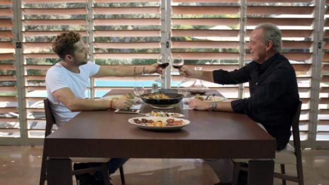 David Bisbal y Bertín Osborne charlan en 'Mi casa es la tuya'.