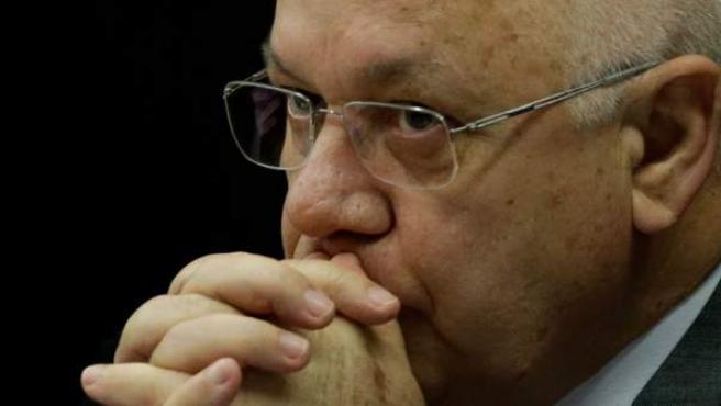 El juez brasileño que instruye el caso Petrobras Teori Zavascki fallece en un accidente de avión.