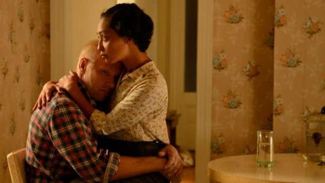 Joel Edgerton (Richard Loving) y Ruth Nega (Mildred Loving), en una escena de 'Loving'.