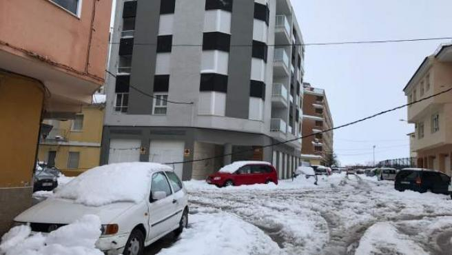 Coches en Requena atrapados en la nieve