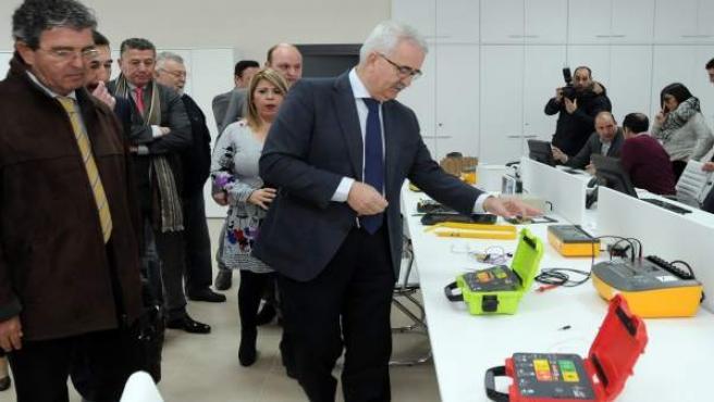 Jiménez Barrios visita en Jerez la empresa Bextom Solutions