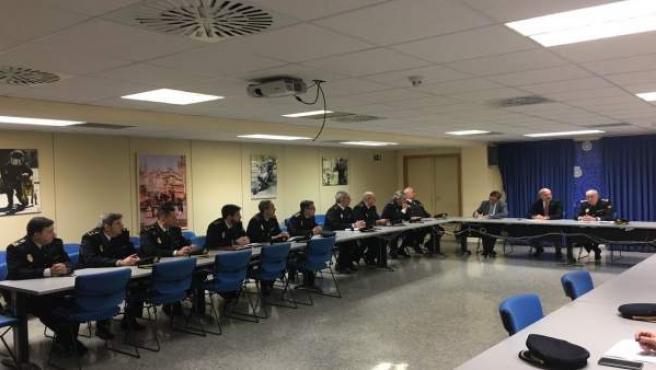 Primera reunión del subdelegado del Gobierno en Sevilla con mandos del CNP