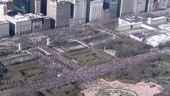 Vista aérea de la multitudinaria Marcha de las Mujeres en Washington.