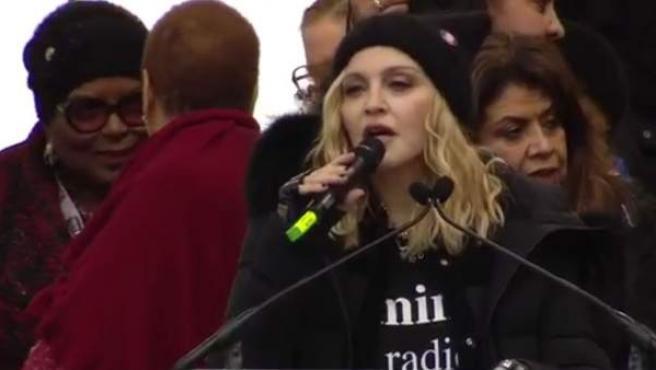 La cantante Madonna ha participado con un discurso y cantando dos canciones en la Marcha de las Mujeres de Washington.