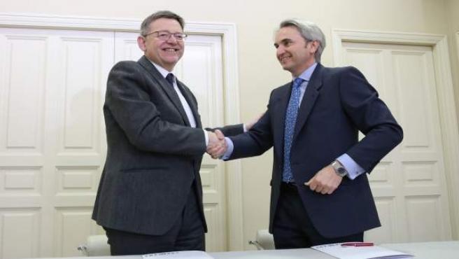 Momento de la firma del convenio con Conexus