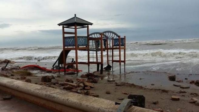 Playa de Almenara tras el temporal
