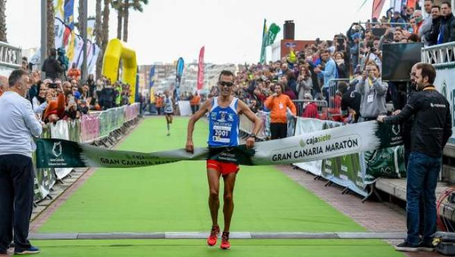 José Carlos Hernández, campeón de los 21K del Cajasiete Gran Canaria Maratón